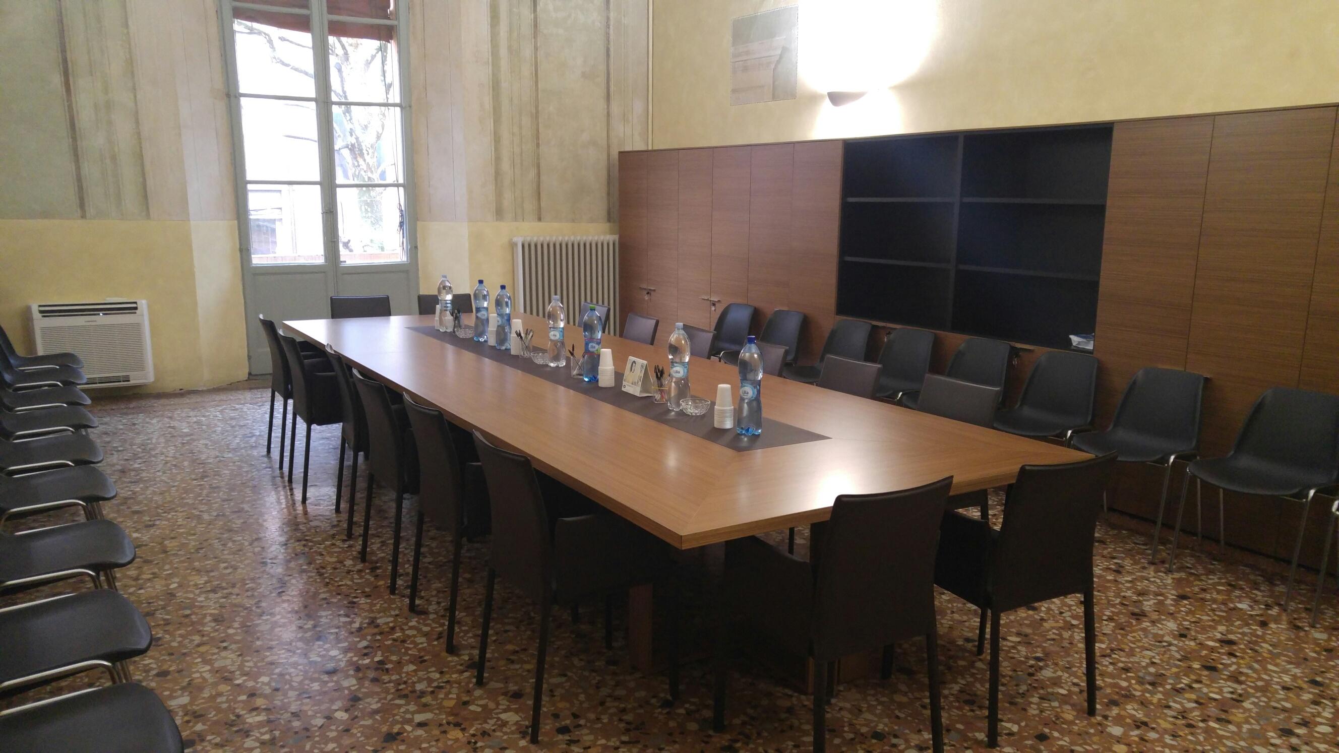 Ufficio Elettorale Bologna : L ex ufficio elettorale si trasforma in hotel a stelle cronaca